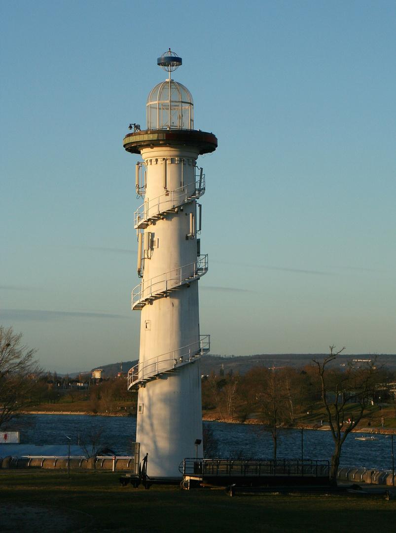 Der Leuchtturm auf der Donauinsel