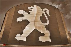 * Der Löwe ist los...