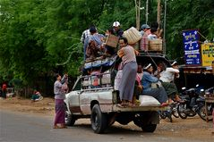 "der lokale ""linienbus"", burma 2011"