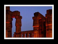 Der Luxor-Tempel beleuchtet
