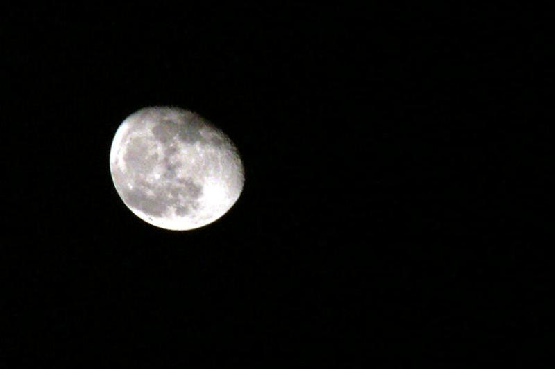 Der mann im Mond ist nicht da!