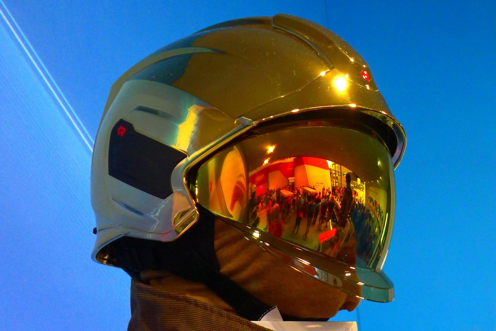 Der Mann Mit Dem Goldhelm 20 Foto Bild Industrie Und Technik