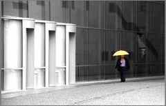 Der Mann mit dem Schirm
