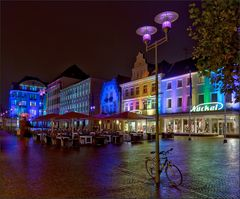 Der Marktplatz leuchtet ...