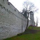 Der Mauer entlang ...