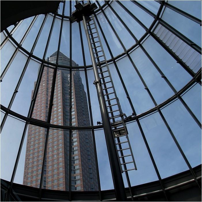 Der Messeturm in Frankfurt am Main....