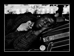 Der Migrant – Frisch in Paris…