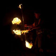 der mit dem Feuer spielt