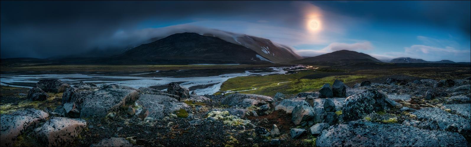 der Mond im Eiseland