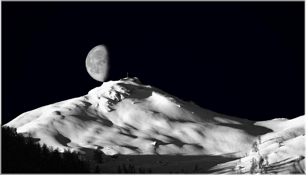 Der Mond sitzt auf dem Grießenkareck 2