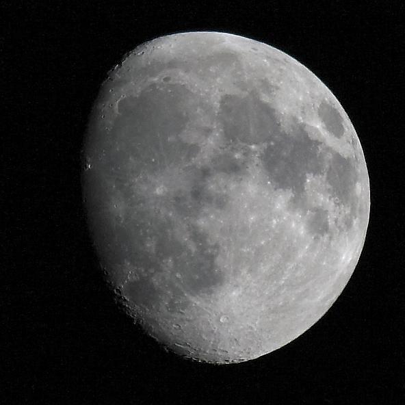 Der Mond über Dortmund