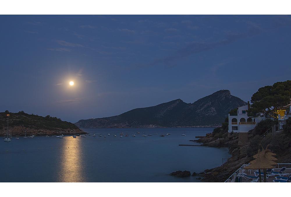 Der Mond über San Telmo