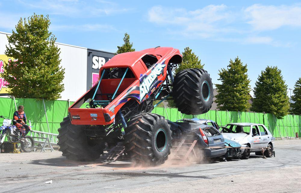 Der Monstertruck in Aktion