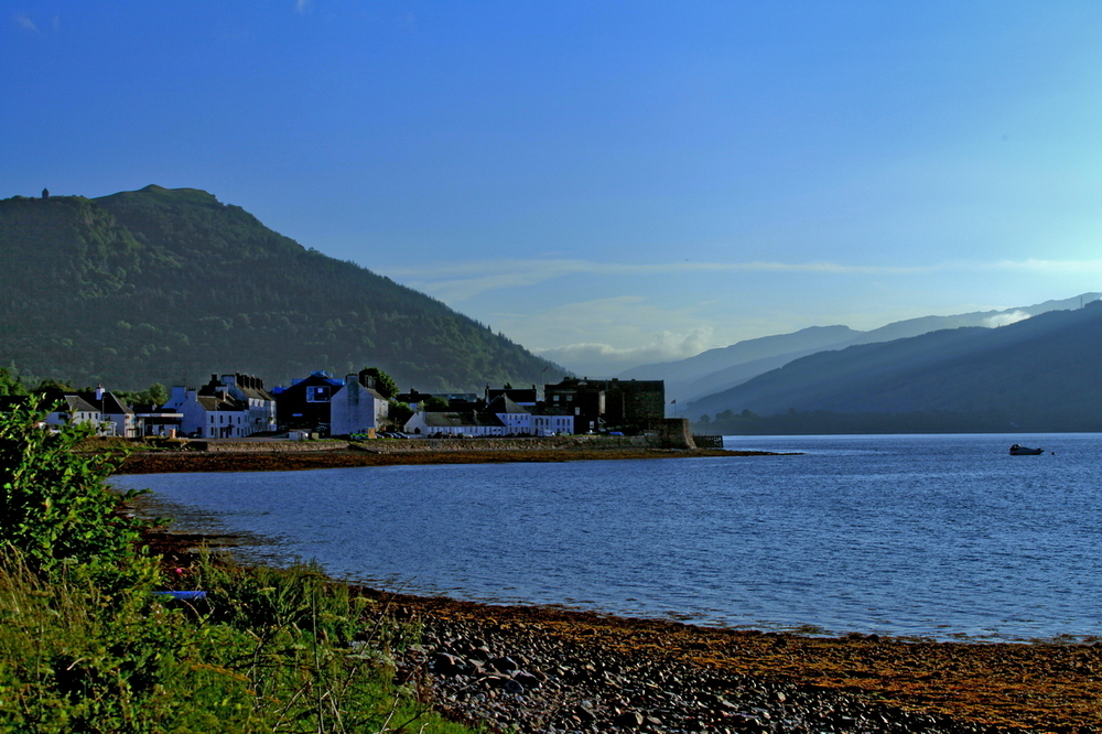 - der Morgen in Inveraray, Schottland -