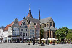 Der Neue Markt in Rostock mit der Marienkirche