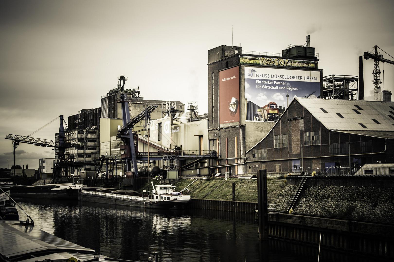 Der Neusser Hafen