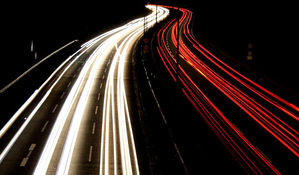 Der Ostwestfalendamm bei Nacht