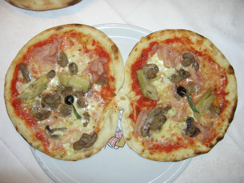 Der Pizzaiolo hat sich einen Scherz erlaubt