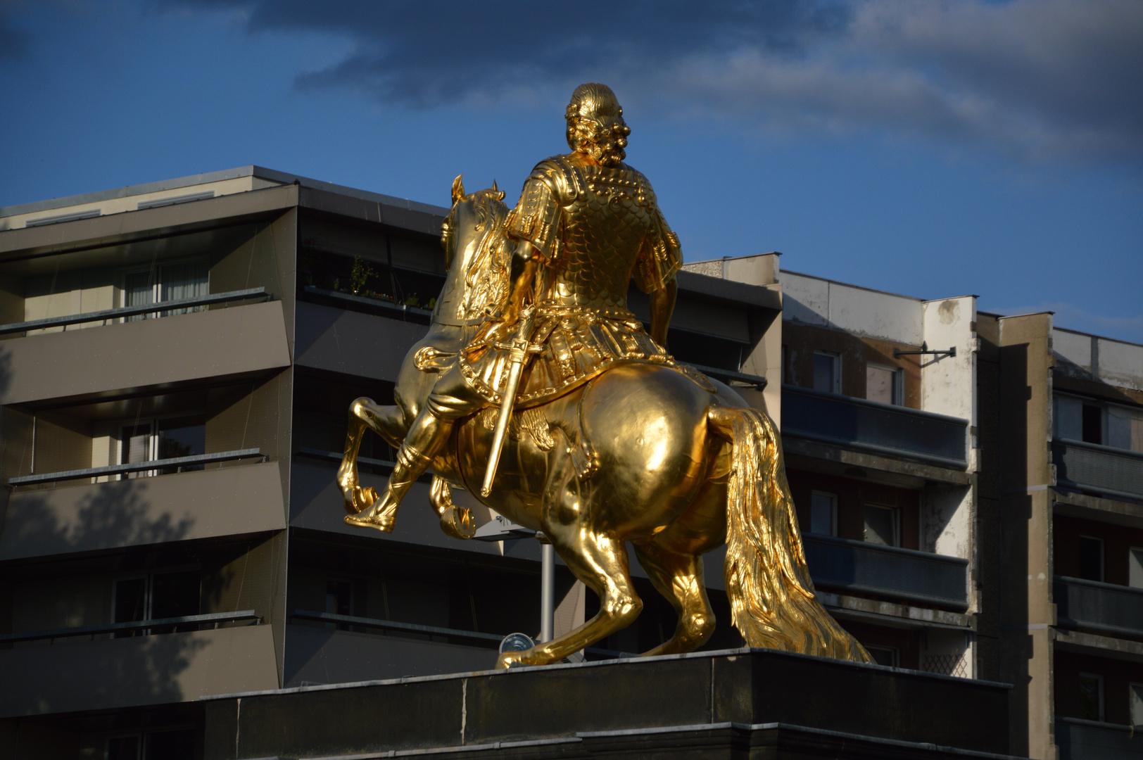 Der Reiter Gegen Die Moderne Foto Bild Dresden Strasse