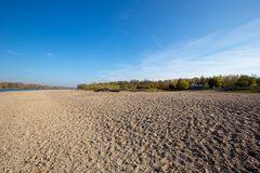 Der Rhein liegt trocken (III)
