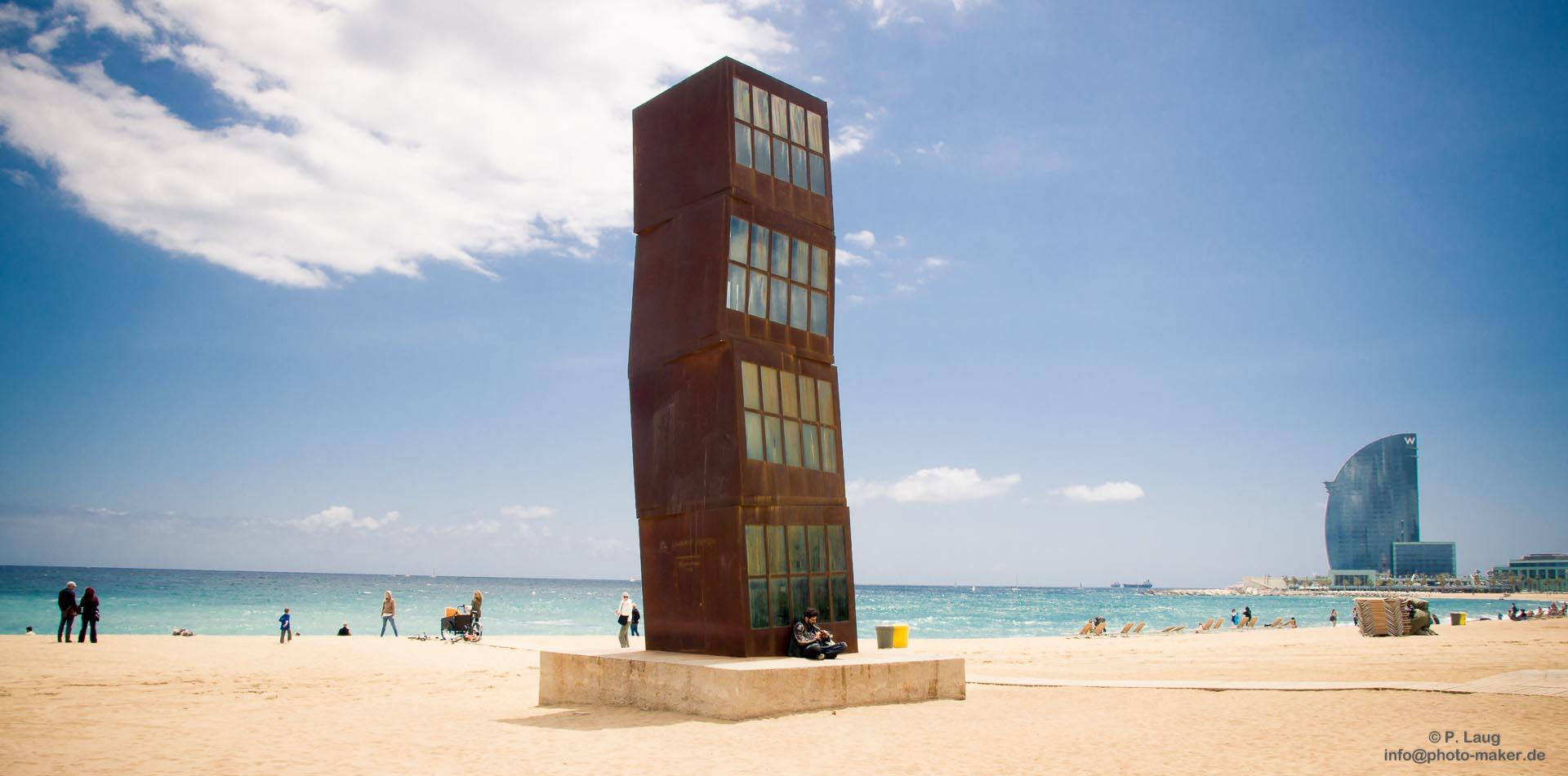 Der Rostende Turm Am Strand Von Barcelona Foto Bild Europe