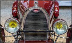 Der rote Bugatti