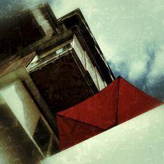 .der rote Schirm.