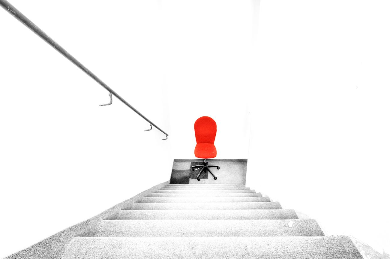 ***   Der rote Stuhl   ***