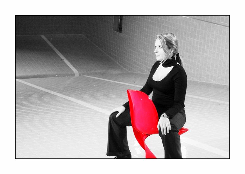 Der rote Stuhl VI