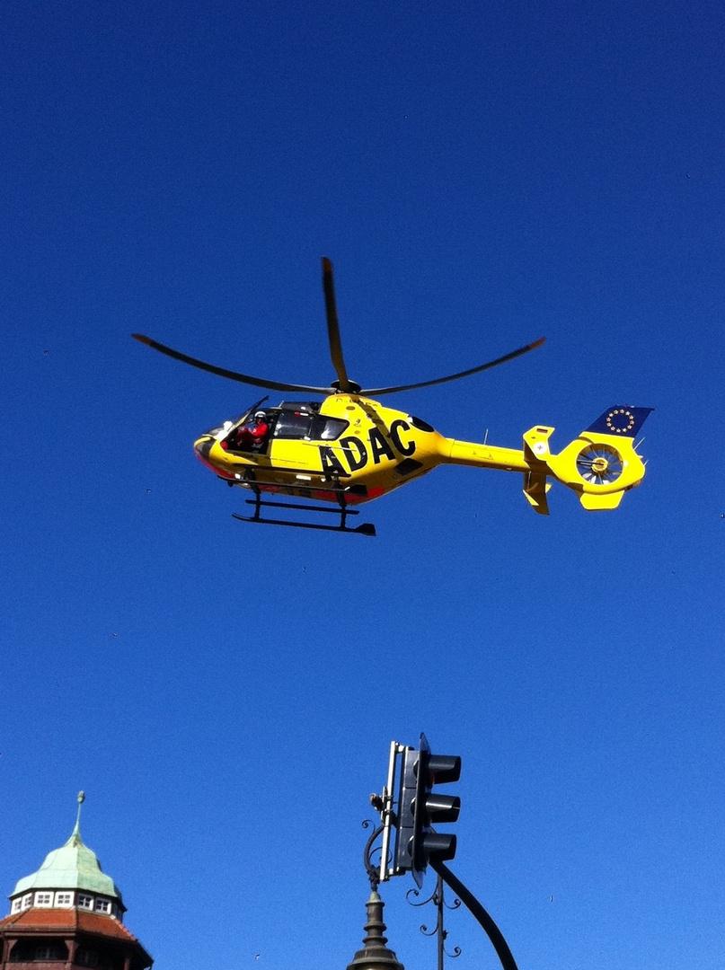 Der Rückwärtsparker (ADAC-Hubschrauber, St Cristopherus BLN)