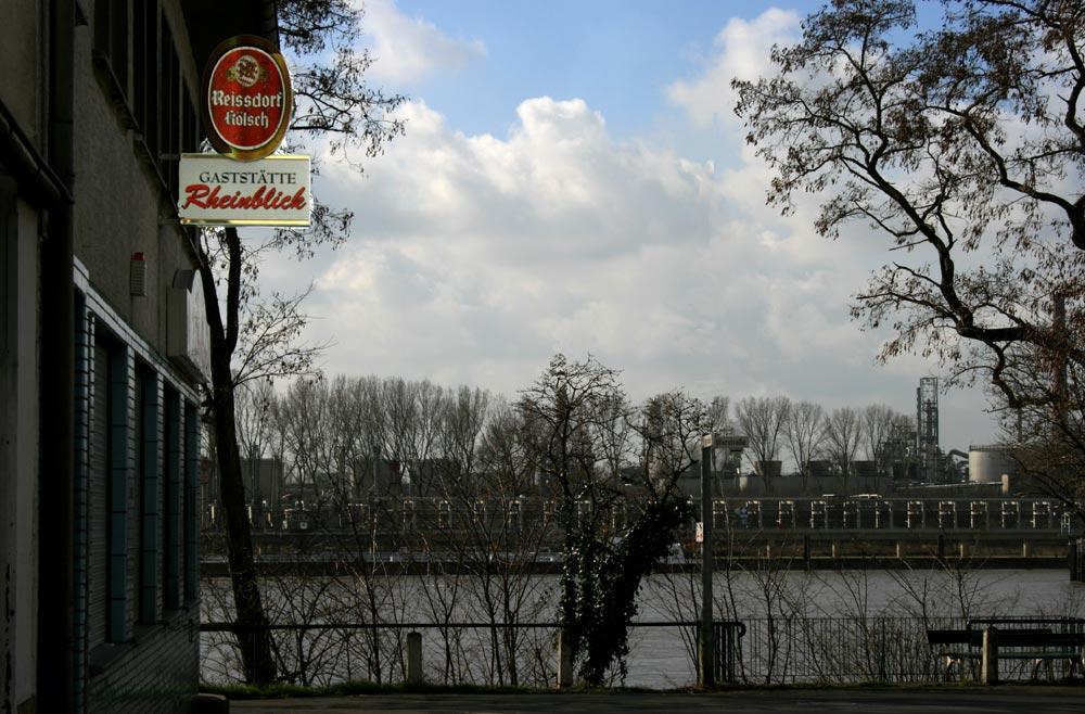 Der schöne Blick auf den Rhein