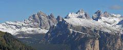 Der Septemberschnee der Vortage war vom Sellajoch auf Sass Rigais 3025m, eine feine Überraschung...
