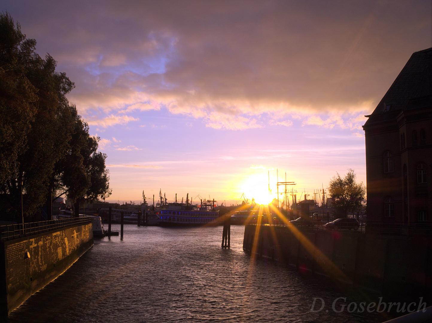 Der Sonnenuntergang in Hamburgs Speicherstadt