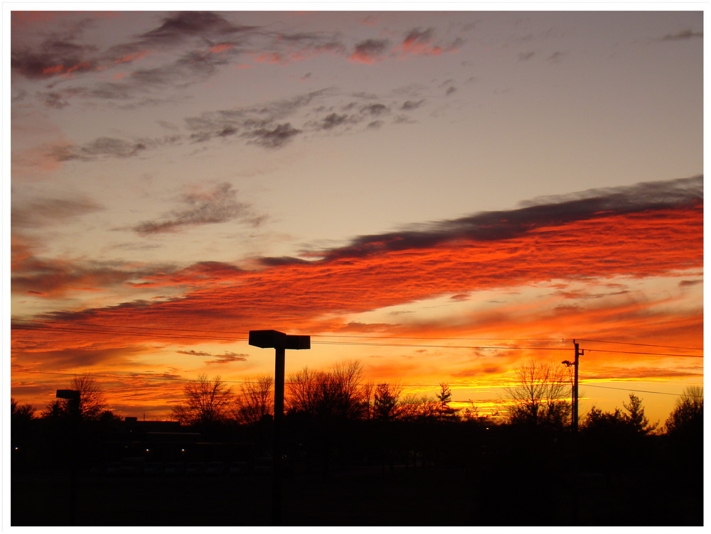 Der Sonnenuntergang vor meinem Fenster