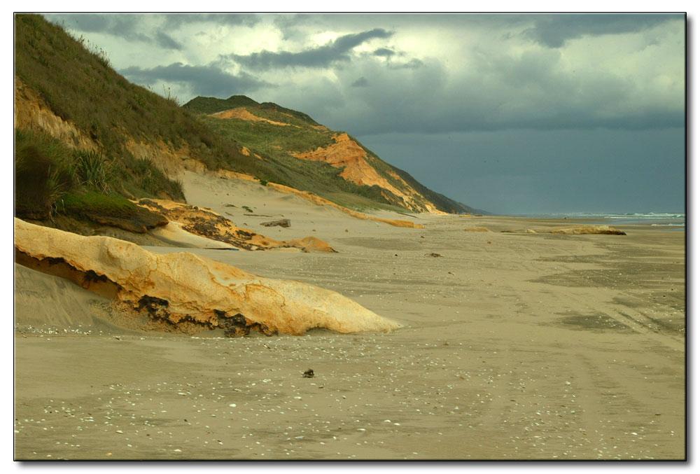 Der Strand an der Westseite auf der Nordinsel