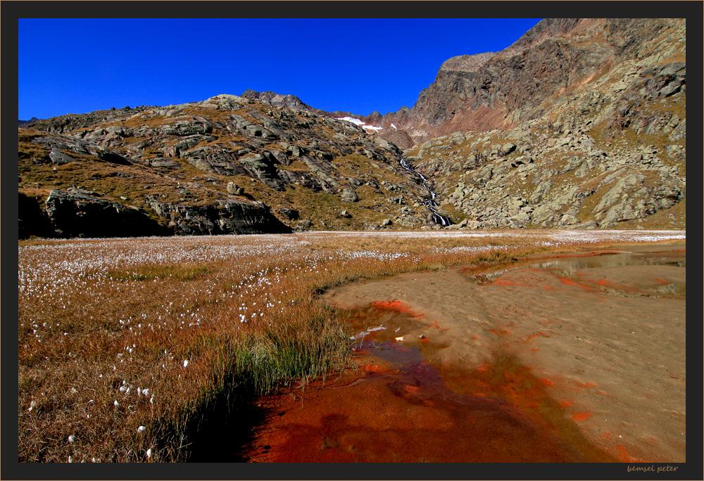 der Stubensee mit Gletscherschliff und Mineralien schon fast verlandet