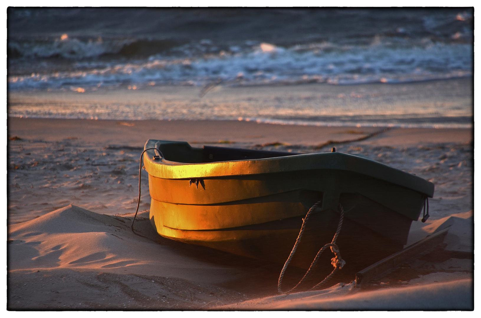 Der Sturm mit dem Sand mit dem Boot mit dem Licht ...