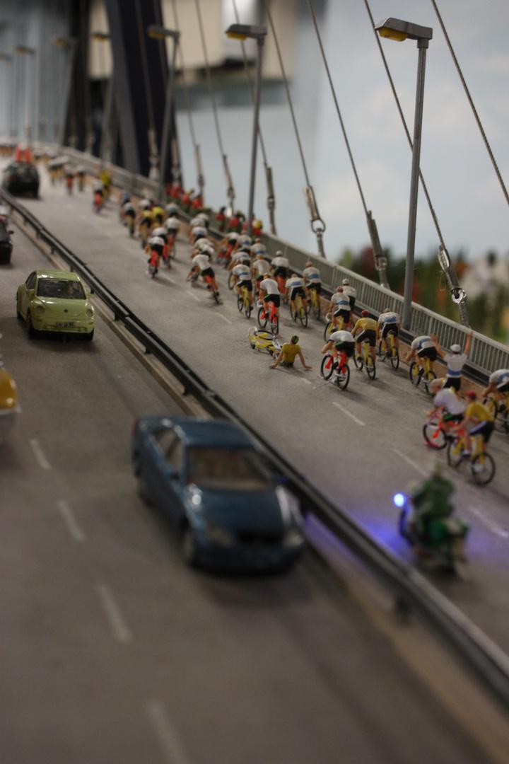 Der Sturz beim Radrennen