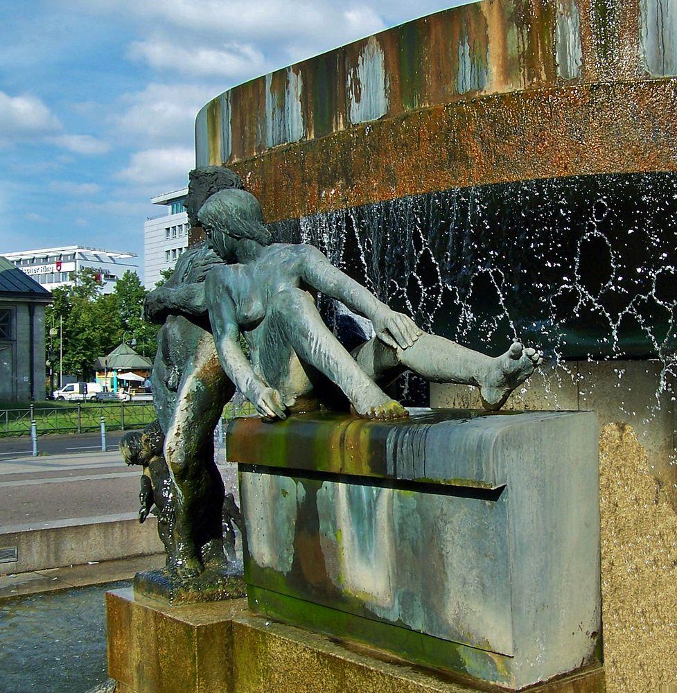 Der Südbrunnen ...