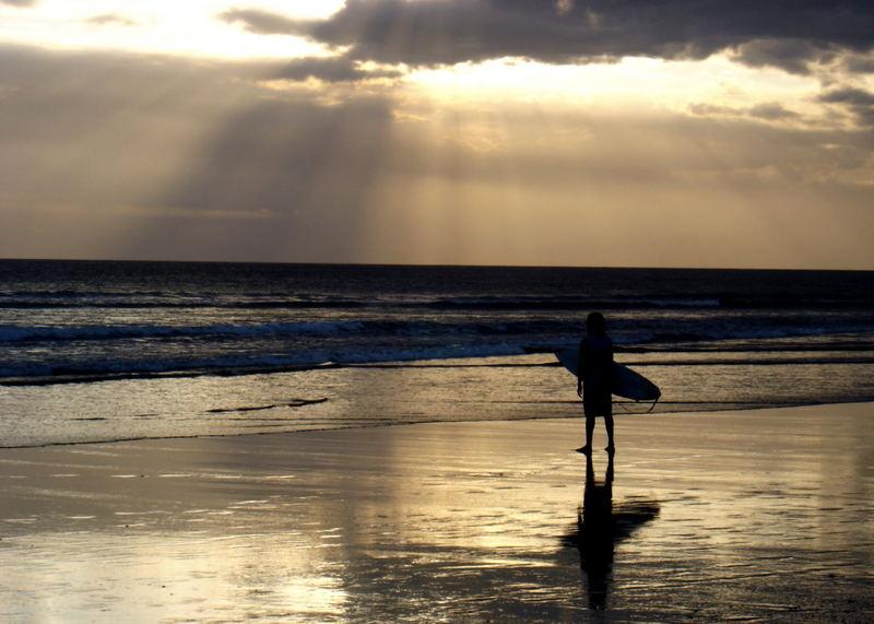 Der Surfer und das Meer