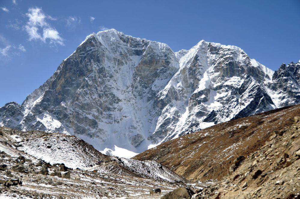 Der Taboche (6501m)