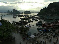 Der Tag beginnt am Pier von Cai Rong (Insel Van Don).