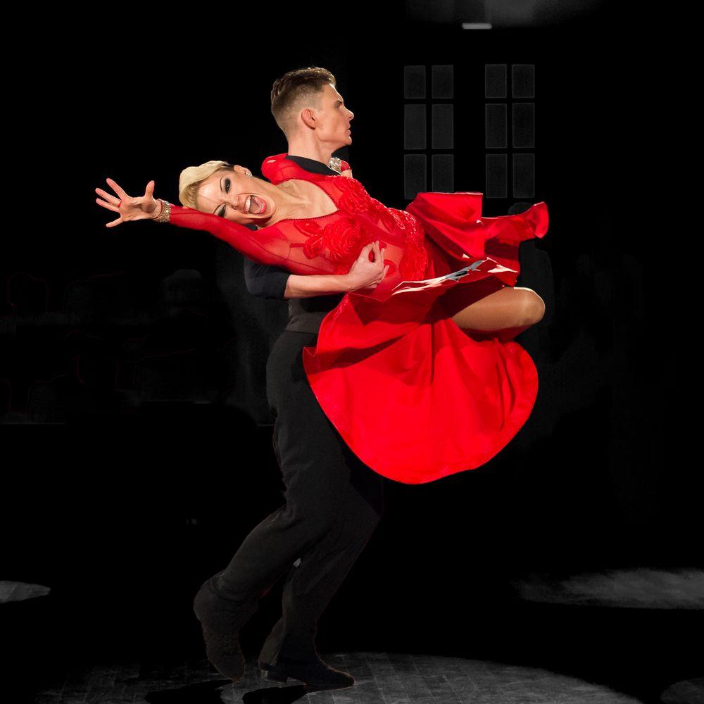 Der Tango, celebriert von Dmitry Zharkov und Olga Kulikova