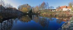 Der Teich in Sürßen , das links der Müglitz auf der Höhe der erste Ort ist und zu Dohna gehört