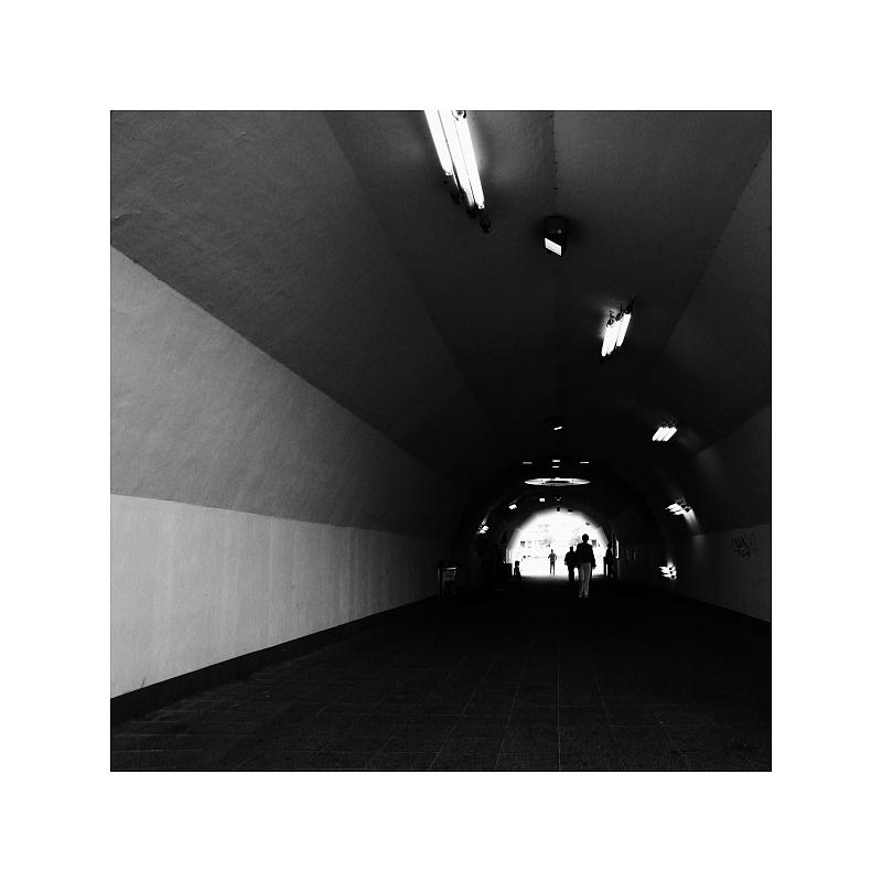 [Der Tunnel]
