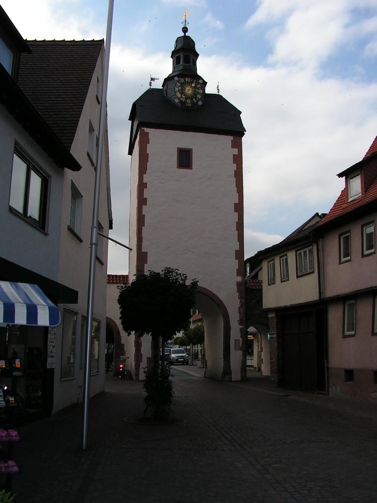 Der Uhrturm in Obernburg