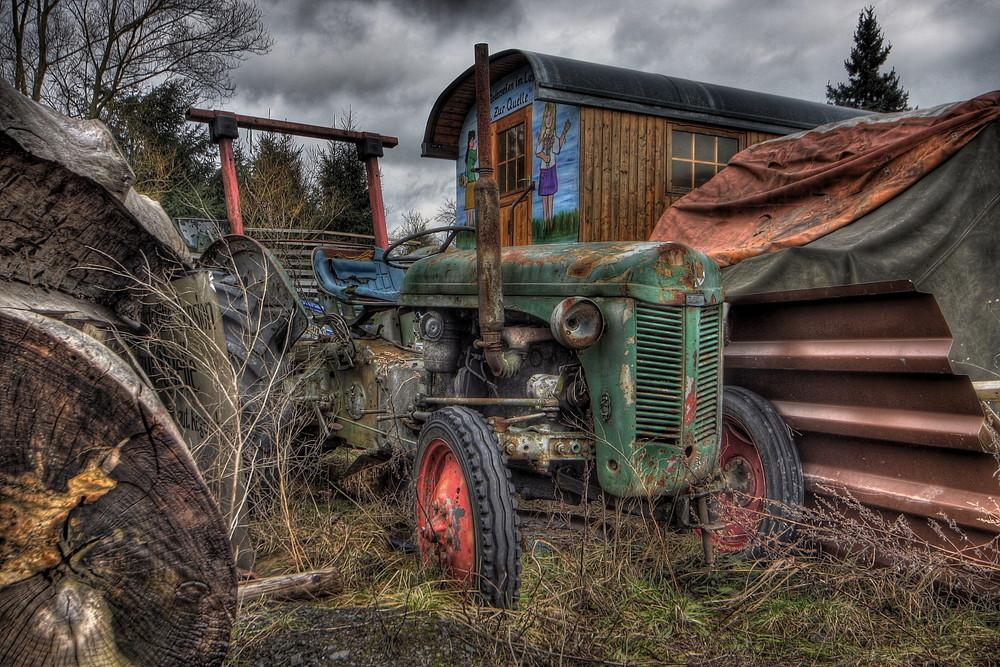 der vergessene Traktor