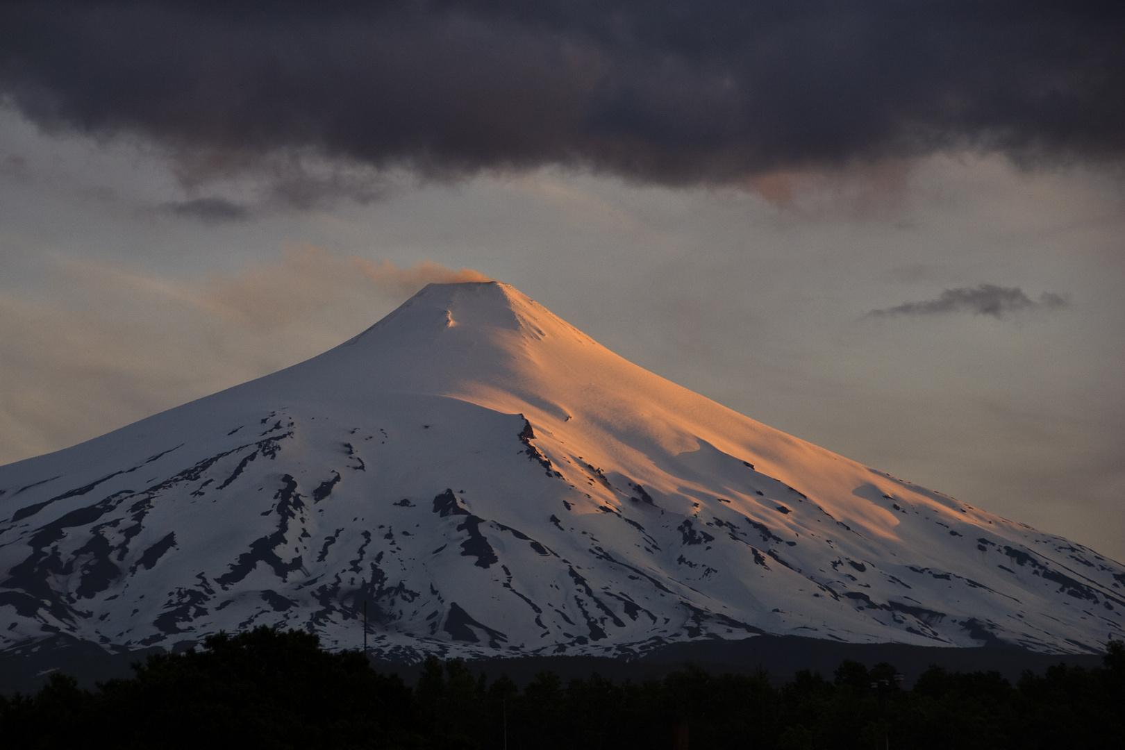 Der Villarrica im Abendlicht