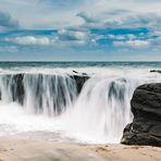 Der Wasserfall am Meer