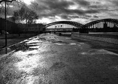 Der Weg (28).......... Richtung Hohenzollernbrücke